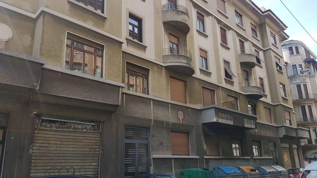 La facciata del palazzo di via Rossetti 31