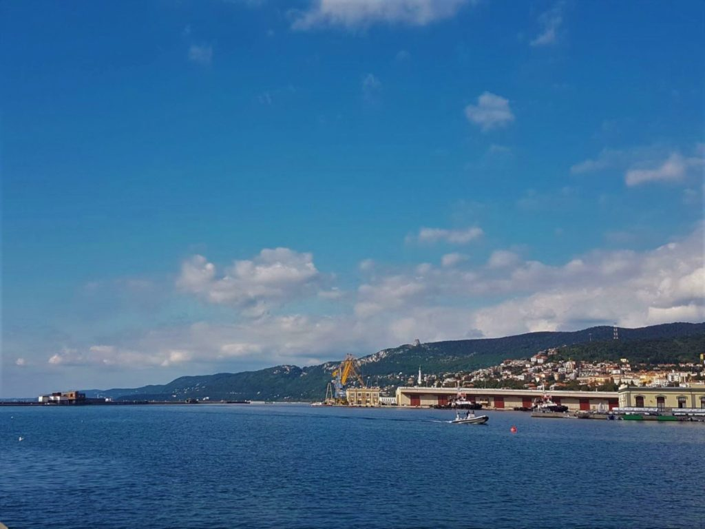 Viaggi straordinari partendo dal molo Audace a Trieste
