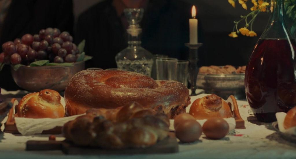 Una tavola imbandita in una scena di Boschi e castagne