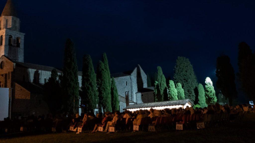 Piazza Patriarcato ad Aquileia, pdurante il Film Festival