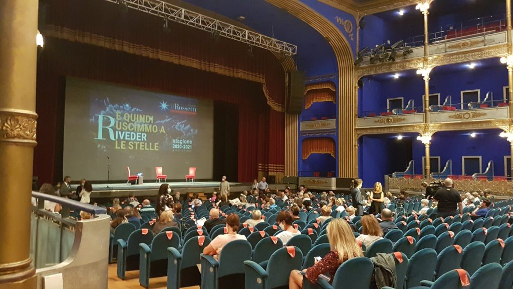 Si rientra al Teatro Rossetti Trieste
