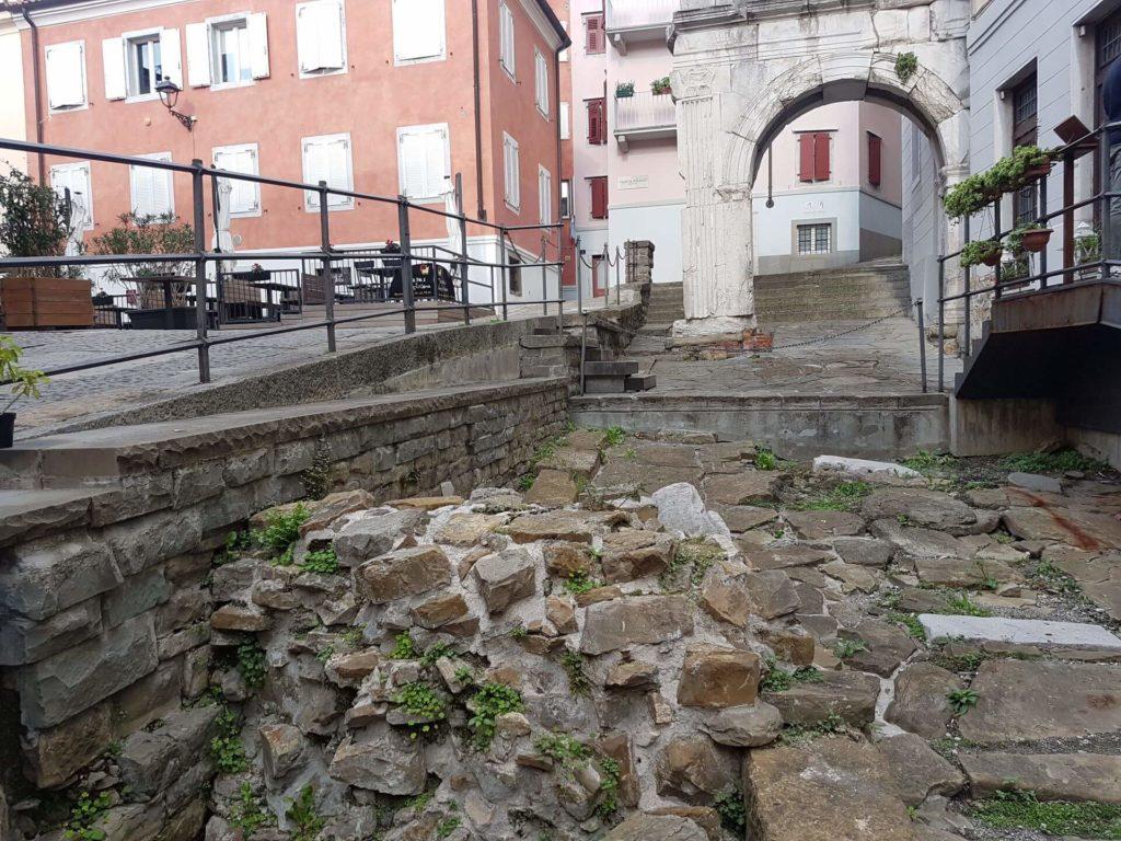 Trieste romana -l'arco di Riccardo