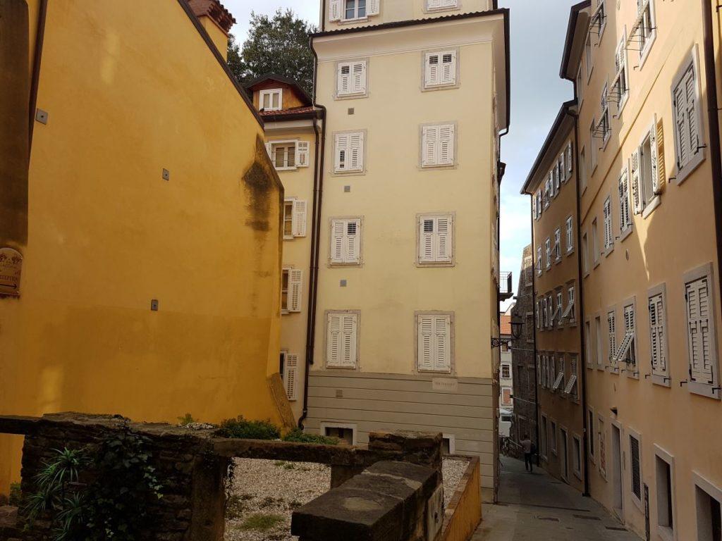 Trieste citta vecchia min