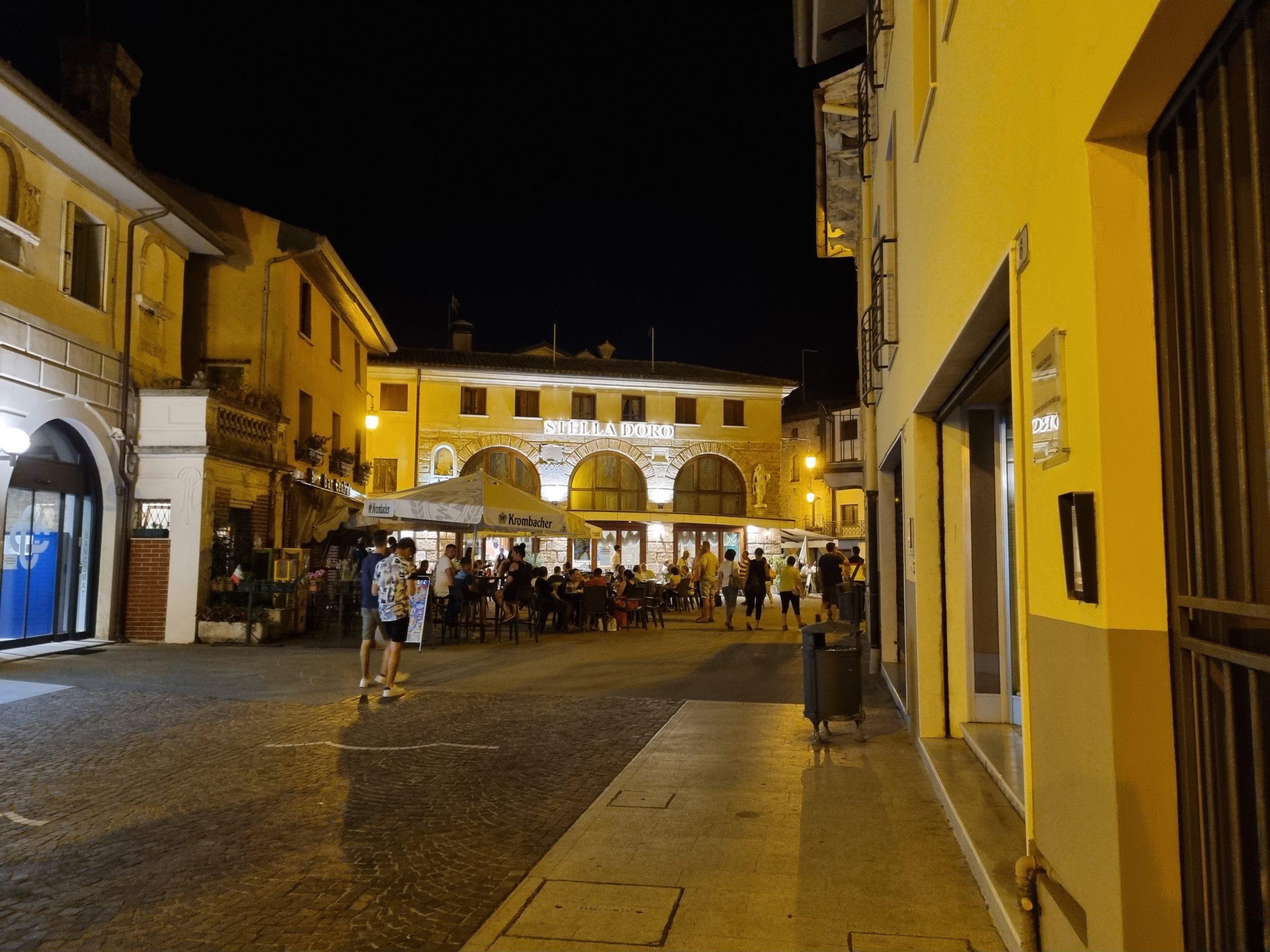 La piazza di Marano Lagunare
