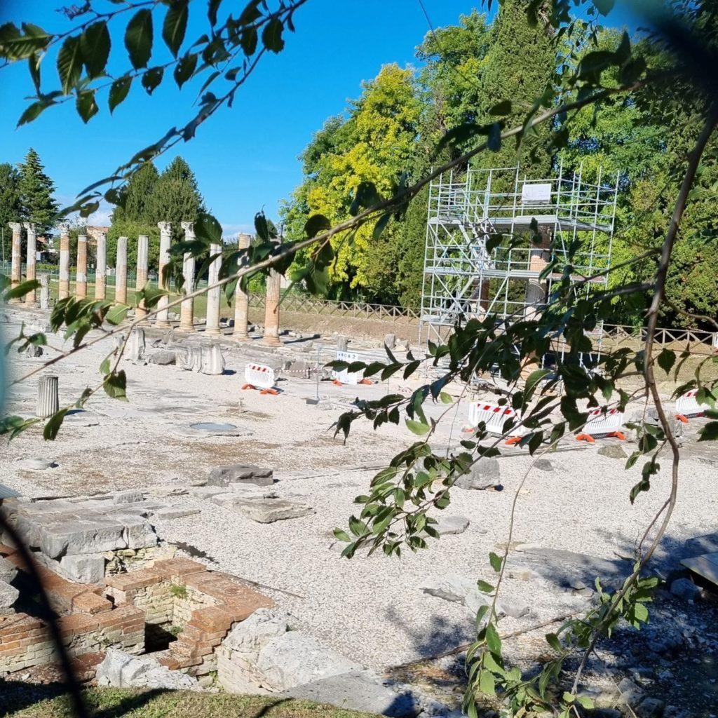Visitare Aquileia - il foro romano