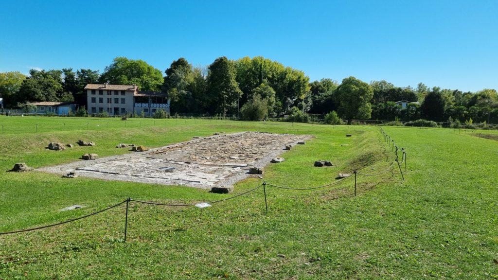 Visitare Aquileia romana prima piazza del mercato min
